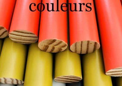 Bwood.17 fabrique pour les professionnels des bâtons ronds en bois vernis de coloris variés